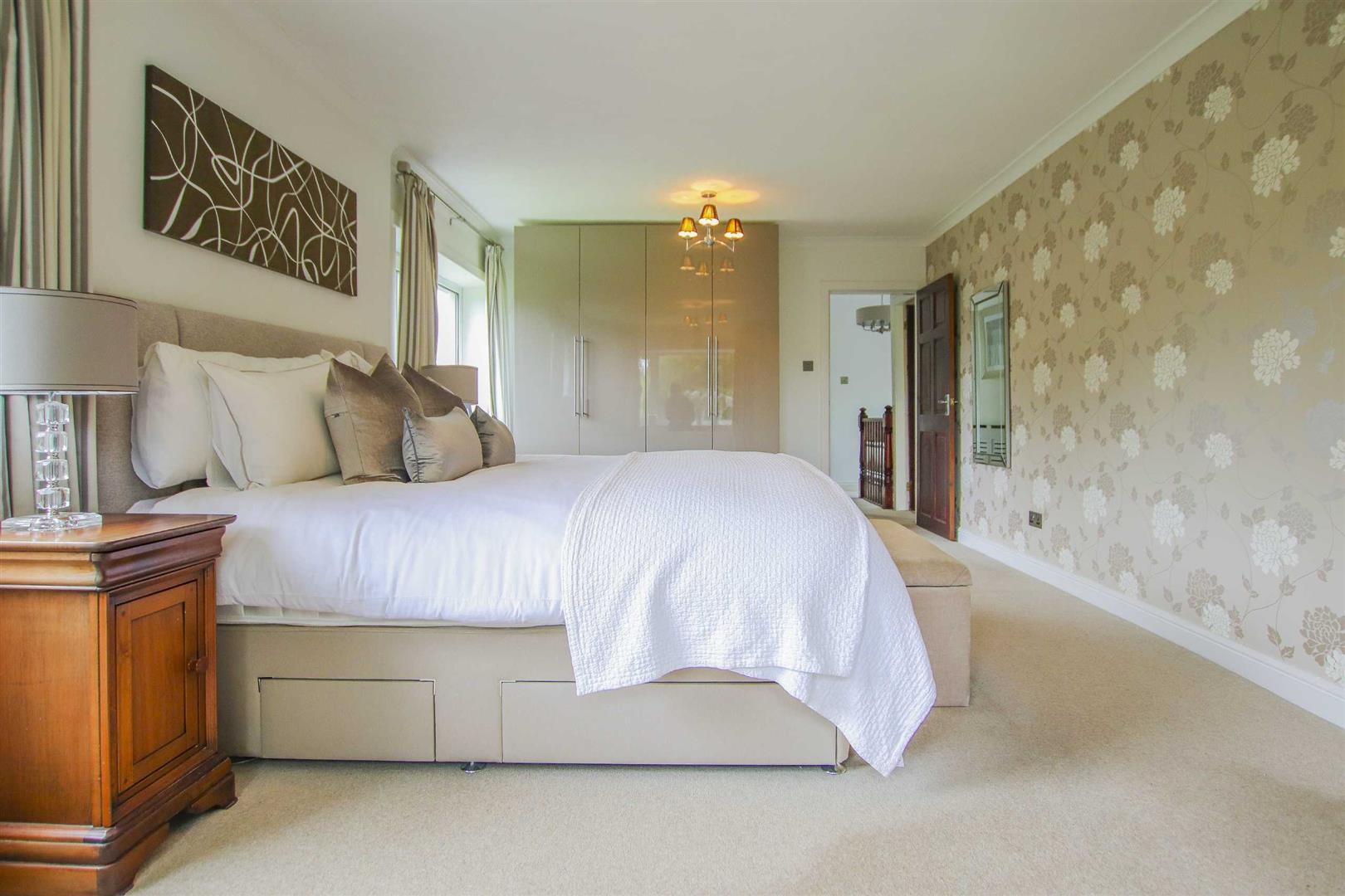 4 Bedroom Semi Detached Cottage For Sale - Image 35